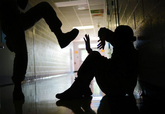 Σχολικός εκφοβισμός – εξετάζοντας τους μύθους - Mama's Stories