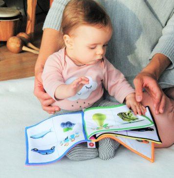 διαβάζουμε παραμύθια στα παιδιά