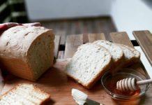 Σπιτικό ψωμί τοστ.mamasstories.jpg